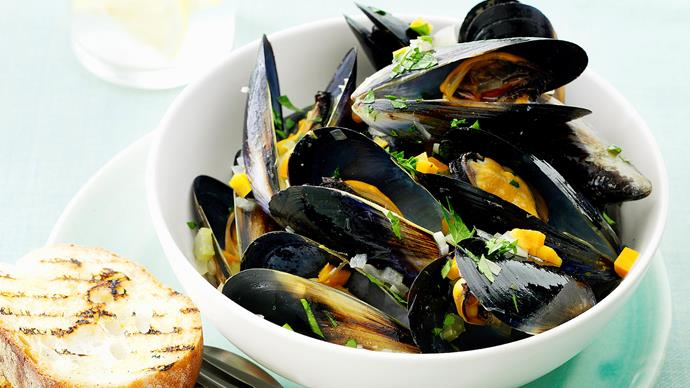 Mussels with White Wine and Vegetables