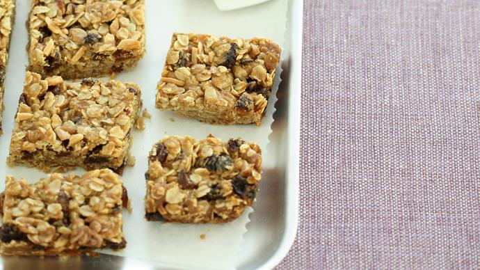 Oat and fruit slice