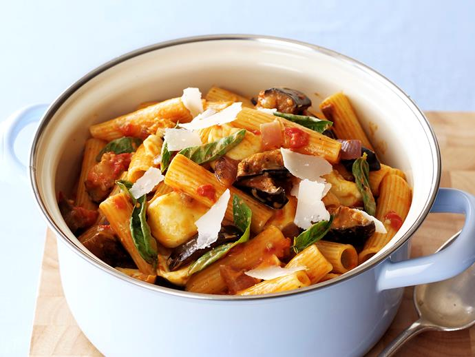 "Whip up this [hearty vegetarian pasta](https://www.womensweeklyfood.com.au/recipes/pasta-with-eggplant-tomato-and-mozzarella-27948|target=""_blank"") with tomato, eggplant and chilli flakes for some added spice."