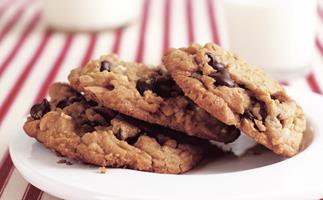 Peanut butter choc chunk cookies