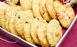 Quick-Mix Chewy Choc-Chip Cookies