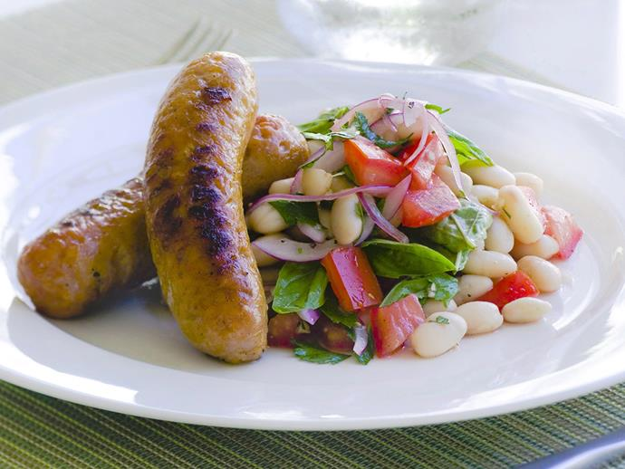 "**Sausages with wh[link text](https://www.womensweeklyfood.com.au/recipes/sausages-with-white-beans-and-parsley-salad-23301|target=""_blank"")ite beans and parsley salad**"