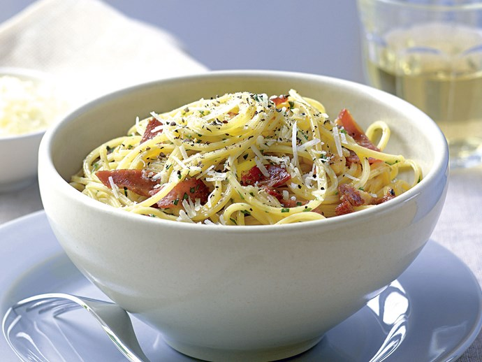 "[Carbonara](https://www.foodtolove.co.nz/recipes/spaghetti-carbonara-25513|target=""_blank"") matches beautifully with spaghetti or other thin, round noodles."