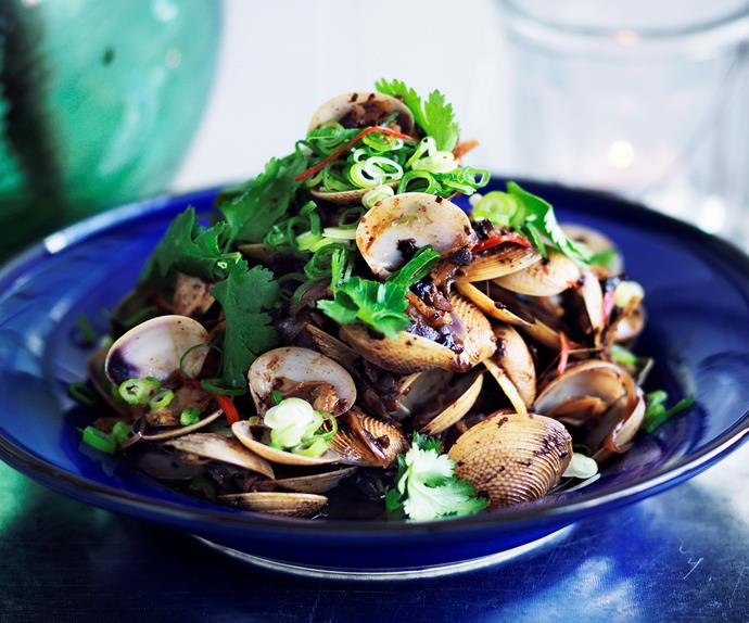 Stir-Fried baby clams with black beans