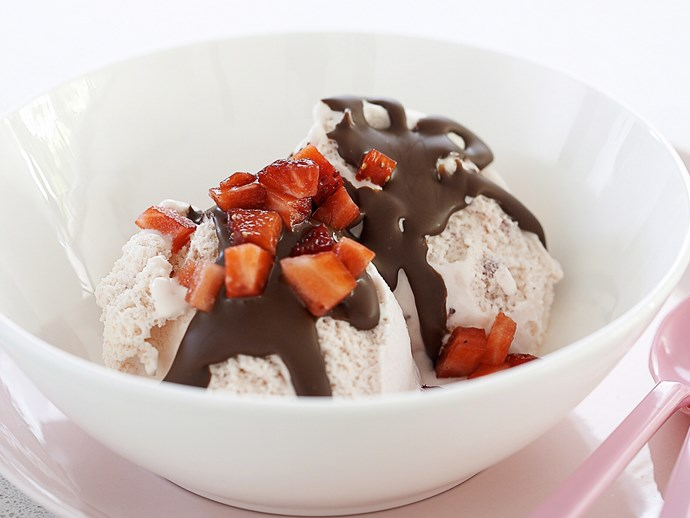 **5 minutes**. [Strawberry sundaes via Food To Love](http://www.foodtolove.com.au/recipes/strawberry-sundaes-7596).