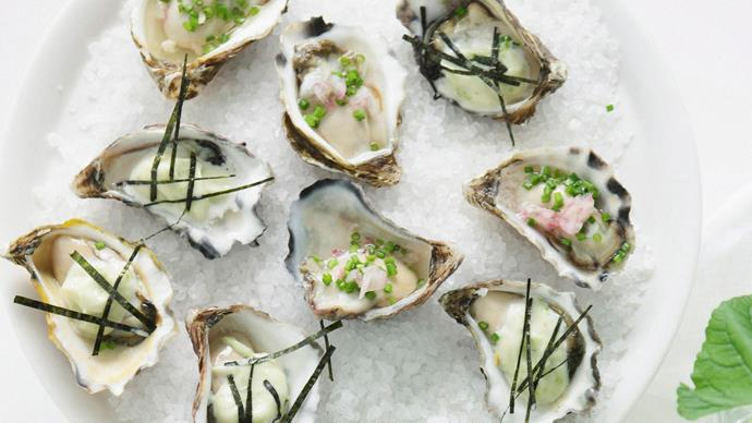 Oysters with eschalot vinegar