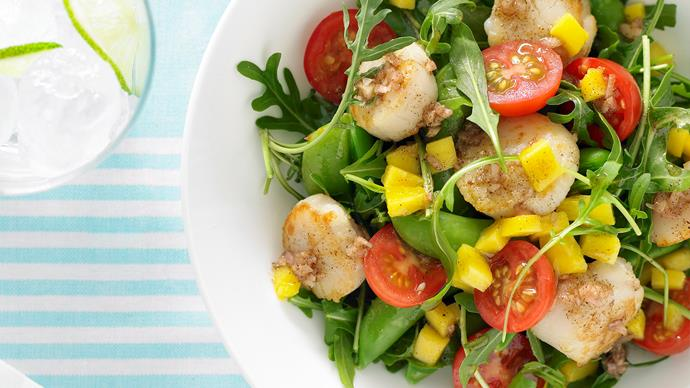Scallop Salad with Mango dressing