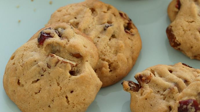 Walnut bubble biscuits