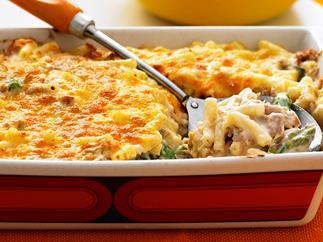 Tuna and asparagus macaroni mornay
