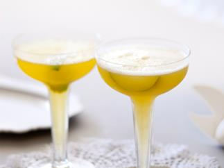 Lime and Passionfruit Champagne Punch