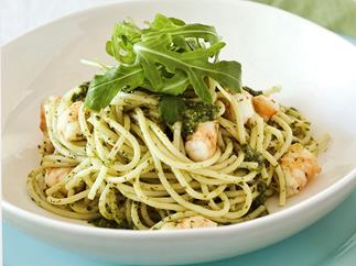 Spaghetti with prawns and salsa verde