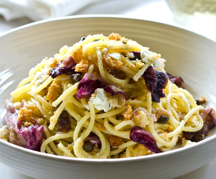 spaghetti with radicchio, goat's cheese and garlic crumbs