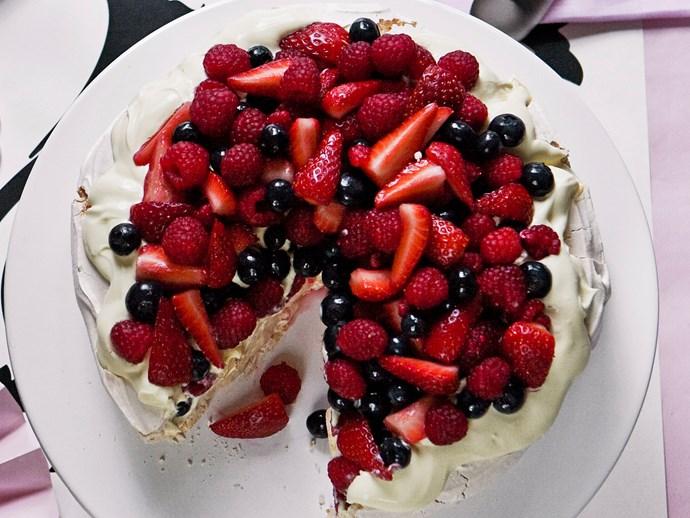 "[Summer berry pavlova](http://www.foodtolove.com.au/recipes/summer-berry-pavlova-5066 target=""_blank"")"