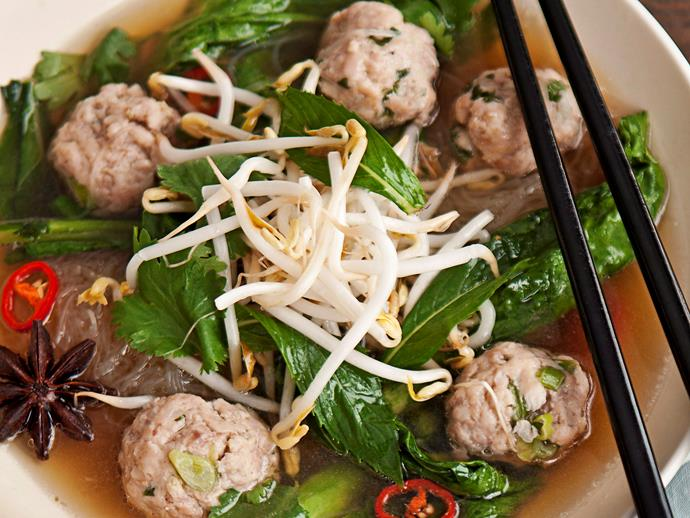 "**[Vietnamese chicken meatball and noodle soup](https://www.womensweeklyfood.com.au/recipes/vietnamese-chicken-meatball-and-noodle-soup-16421|target=""_blank"")**"