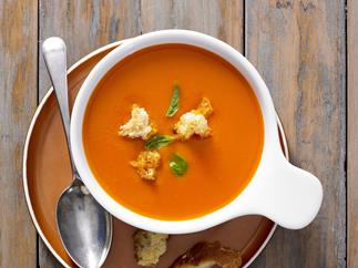 tomato, capsicum and basil soup