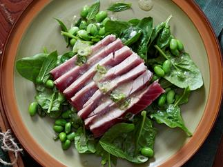 Edamame and seared tuna salad