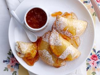 Marmalade and ricotta samosas