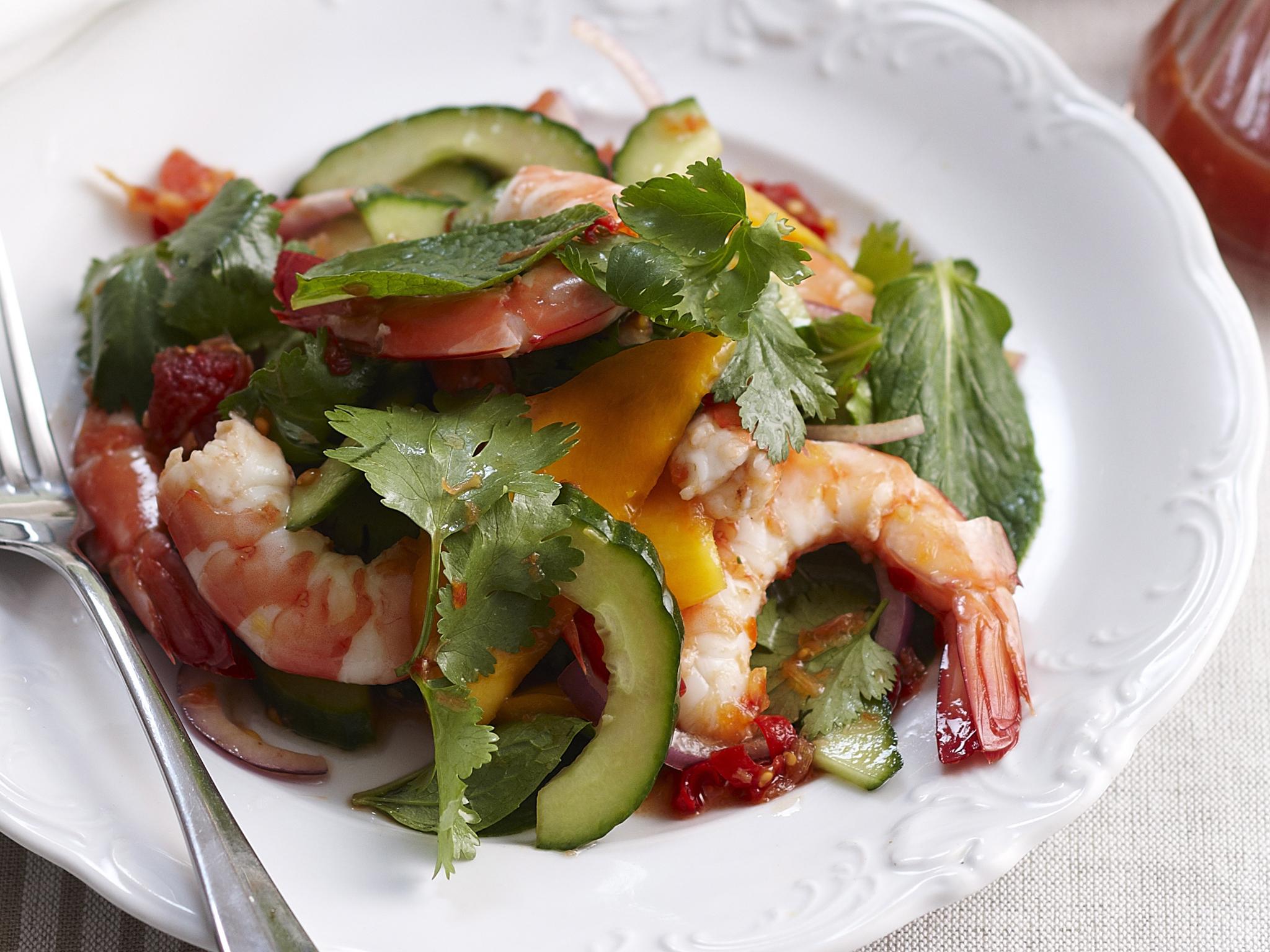 Thai mango and prawn salad
