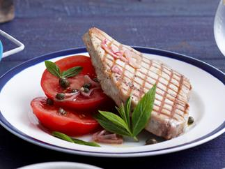 Tuna with baba ganoush and tomatoes