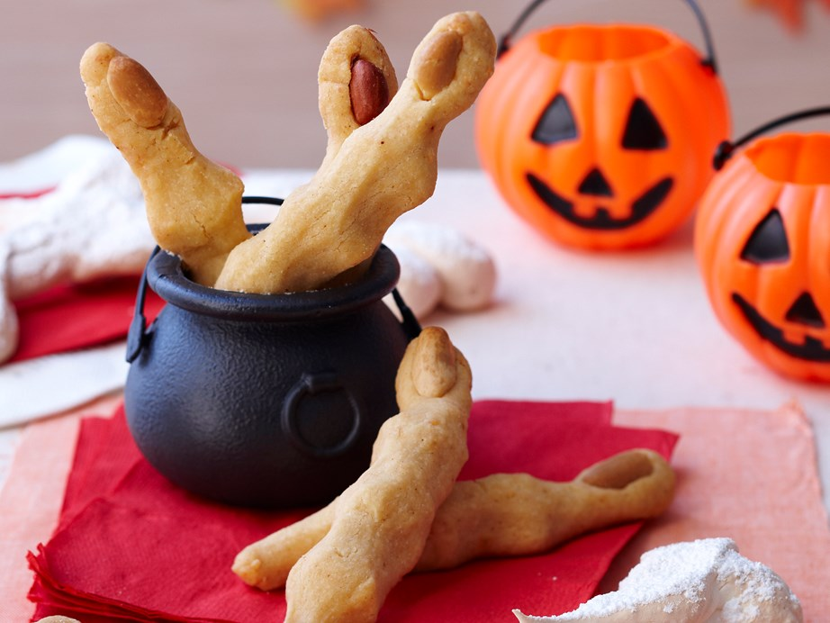 "[**Cheesy witch's finger biscuits**](https://www.womensweeklyfood.com.au/recipes/halloween-finger-biscuits-27471|target=""_blank"") <br><br> Cheesy savoury biscuits shaped like fingers are a creepy and creative snack to add to your Halloween party spread."