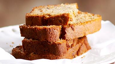 Banana loaf with walnut butter