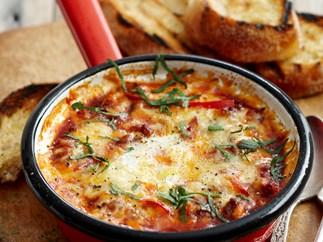 Chilli bolognese eggs