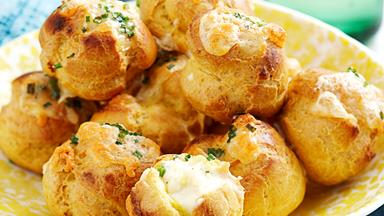 Curried cheese gougeres