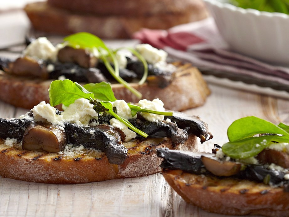 "**[Field mushroom bruschetta](https://www.womensweeklyfood.com.au/recipes/field-mushroom-bruschetta-26029|target=""_blank"")** <br><br> These big, meaty mushrooms topped with fetta make a delicious and protein-packed meal. Serve as a starter for a dinner party, finger food ... or treat yourself to a quick nutritious lunch."