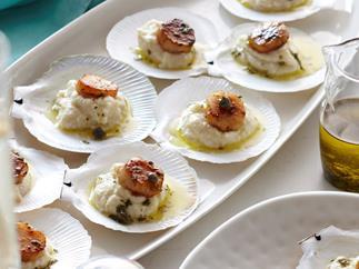 seared scallops on celeriac puree