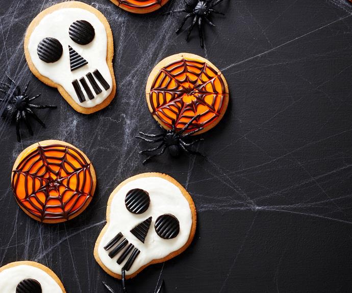 Skull and cobweb cookies