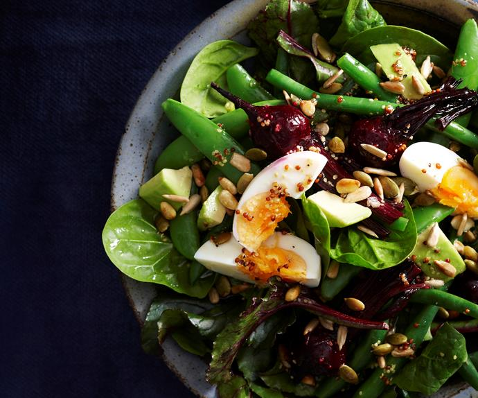 Spinach, beetroot and egg salad