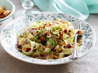 Sprout and hazelnut pasta