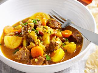 Sweet beef curry with apple and sultanas