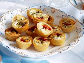 Tomato, goat's cheese and thyme quiches