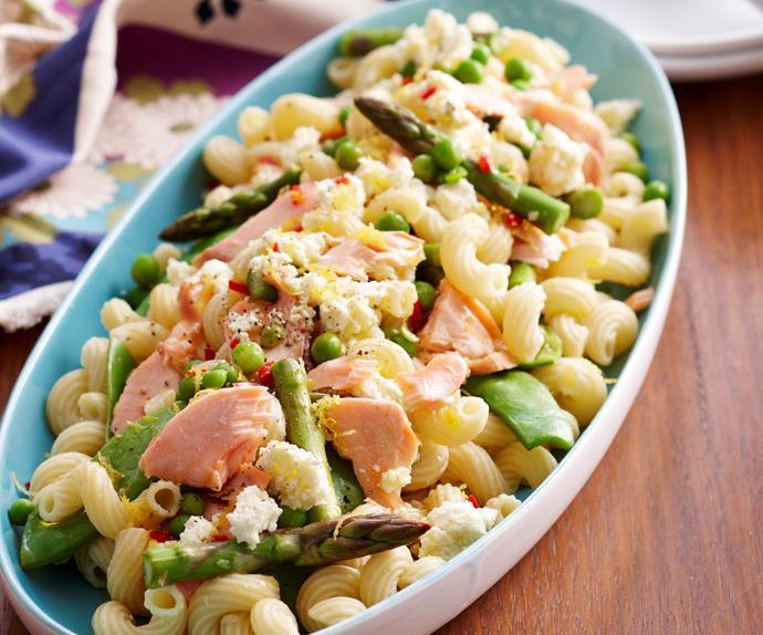 Warm pasta, salmon and asparagus