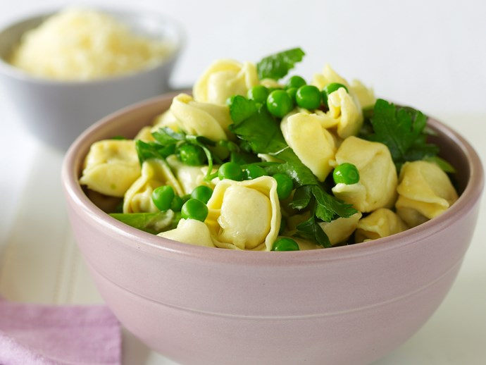 Cheese and spinach tortellini with peas and asparagus
