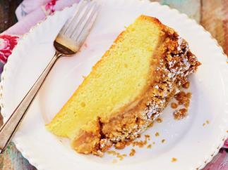 Apple custard crumble cake