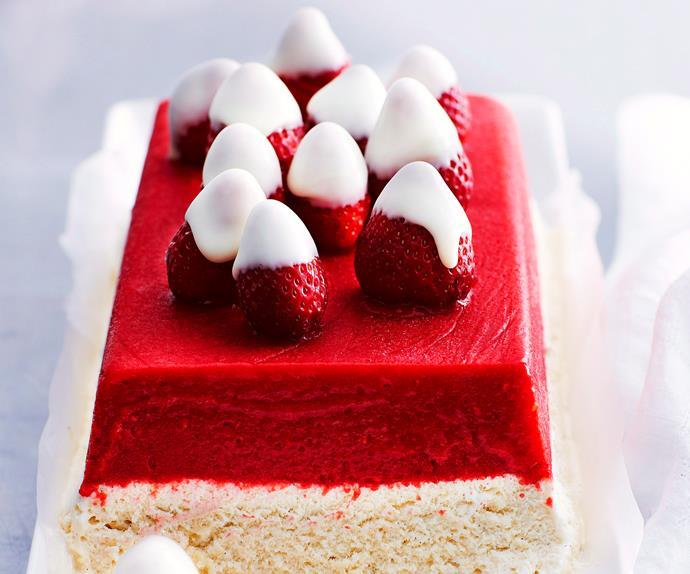 Berries and cream with white chocolate strawberries
