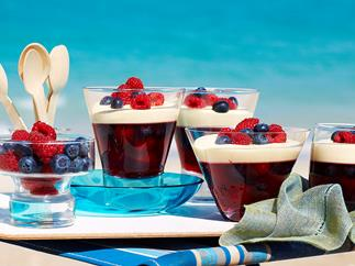 Berry jellies with liqueur and mascarpone