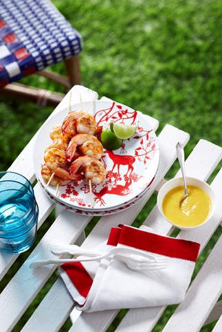Barbecued prawns with mango sauce