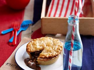 Aussie beef and shiraz pies