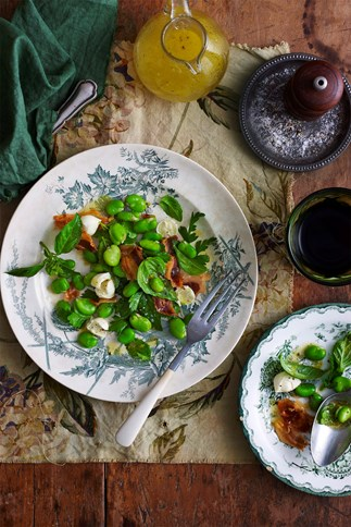 Mozzarella, broad bean and pancetta salad