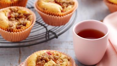 Nectarine crumble muffins