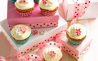 One-bowl cupcakes