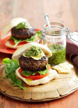 Pesto beef burgers