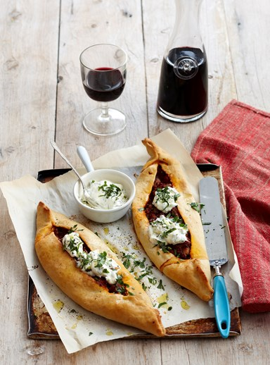Pide bolognese