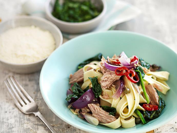 "**[Tuna, chilli and herb tagliatelle](https://www.womensweeklyfood.com.au/recipes/tuna-chilli-and-herb-tagliatelle-25403|target=""_blank"")**  The super bowl! Curl up on cold nights with a heart-warming meal in hand"