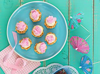 Rice bubble cupcakes with fairy floss
