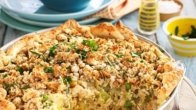 Roast chicken pie