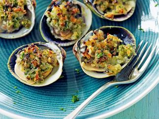 Crunchy baked clams